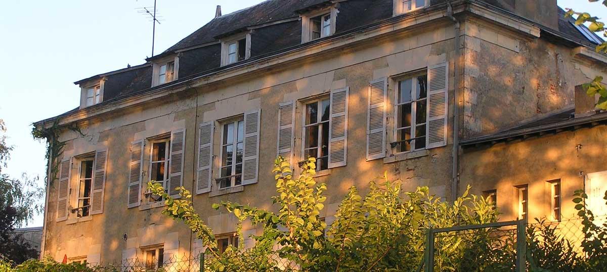 le-clos-facade-chambres